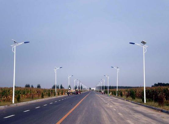 市电太阳能路灯哪个好?